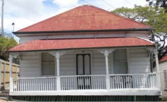 Short roof sheets on colonial cottage