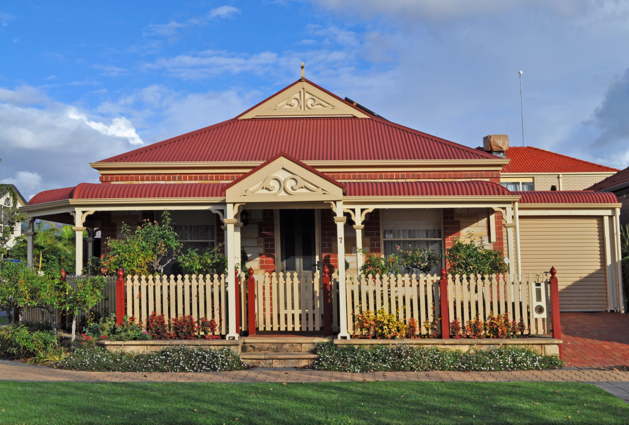 Cottage with Colorbond roof sheeting and gutters