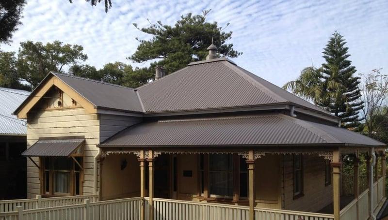 After shot - new colorbond roof on Queenslander cottage